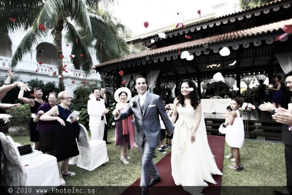Actual Day Wedding Photography by Singapore Photographer, Lim Kok Wee from PhotoInc - www.photoinc.sg